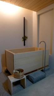Minimalist Bathroom Bathtub Remodel Ideas03