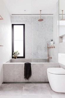 Minimalist Bathroom Bathtub Remodel Ideas14