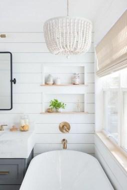 Minimalist Bathroom Bathtub Remodel Ideas44