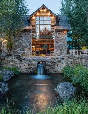 Pretty Stone House Design Ideas On A Budget32