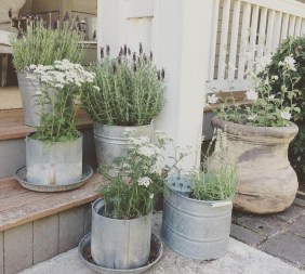 Rustic Front Yard Landscaping Ideas29