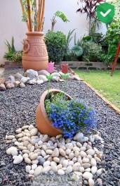 Astonishing Backyard Landscaping Ideas With Flower To Try02