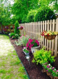 Astonishing Backyard Landscaping Ideas With Flower To Try04