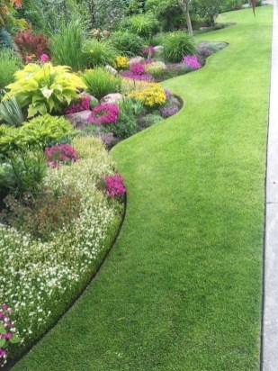 Astonishing Backyard Landscaping Ideas With Flower To Try34
