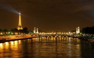Extravagant European Metropolises That Must Be Seen At Night14