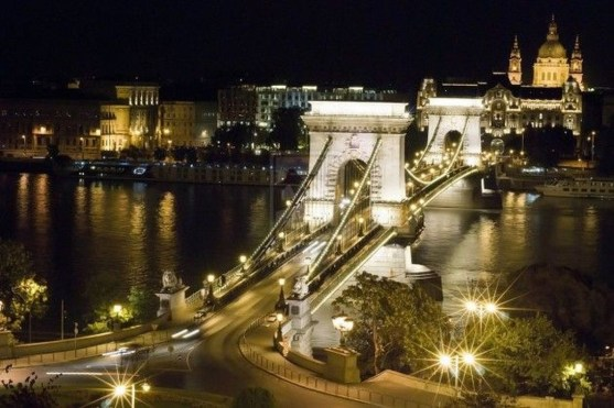 Extravagant European Metropolises That Must Be Seen At Night21