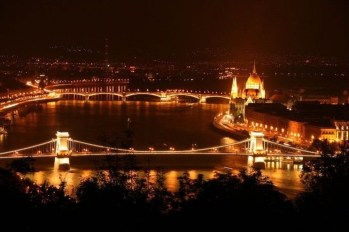 Extravagant European Metropolises That Must Be Seen At Night28