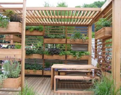 Fantastic Outdoor Vertical Garden Ideas For Small Space08