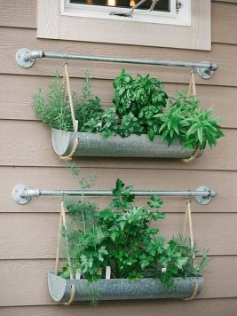 Fantastic Outdoor Vertical Garden Ideas For Small Space17