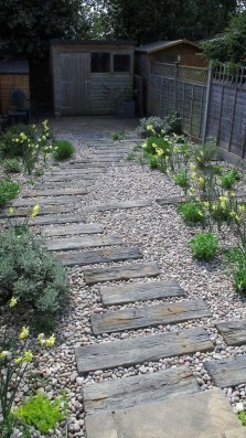 Fascinating Side Yard And Backyard Gravel Garden Design Ideas That Looks Cool35