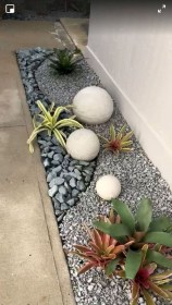 Fascinating Side Yard And Backyard Gravel Garden Design Ideas That Looks Cool41