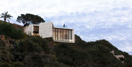Fearsome Cliff Side Houses With Amazing Views38