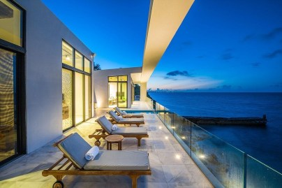 Jaw Dropping Summer Beach House Designs12