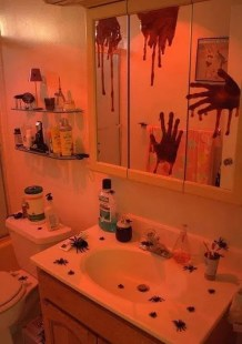 Modern Halloween Decorating Ideas For Your Bathroom19
