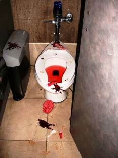Modern Halloween Decorating Ideas For Your Bathroom22