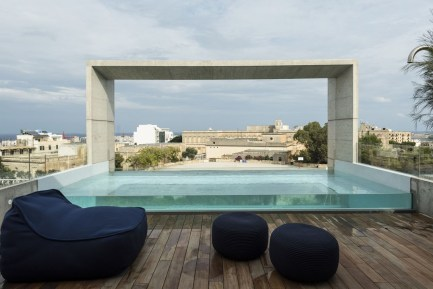 Most Amazing Rooftop Pools That You Must Jump In At Least Once03
