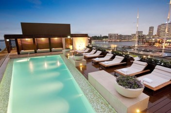 Most Amazing Rooftop Pools That You Must Jump In At Least Once04
