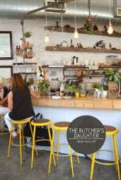 Unique Outdoor Kitchen Ideas For Excellent Restaurants06