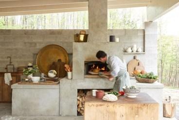 Unique Outdoor Kitchen Ideas For Excellent Restaurants22