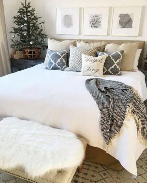 Cozy Rustic Bedroom Interior Designs For This Winter06