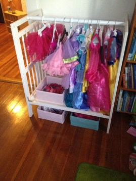 Inspirational Ways How To Repurpose Old Babys Cribs06
