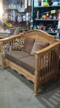 Inspirational Ways How To Repurpose Old Babys Cribs38