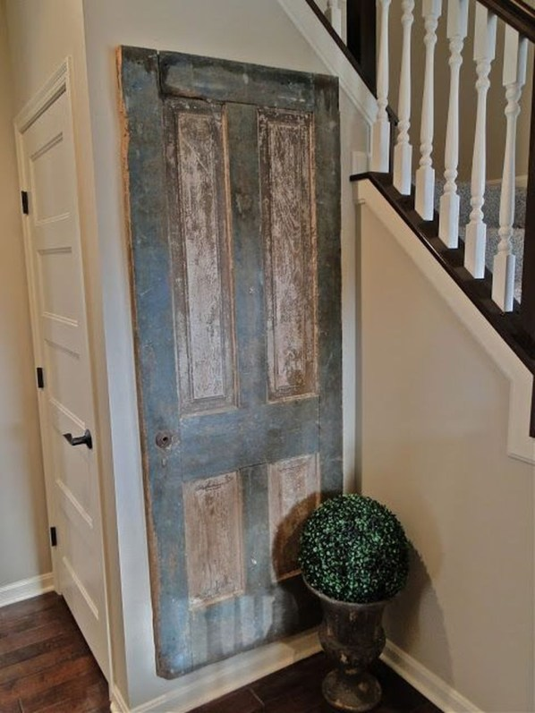 Simple And Creative Ideas Of How To Reuse Old Doors49