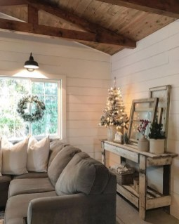 Warm Rustic Family Room Designs For The Winter07