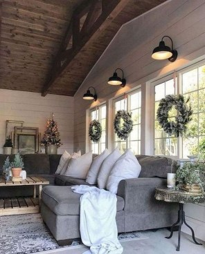 Warm Rustic Family Room Designs For The Winter15
