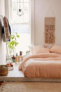 Amazing Small Apartment Bedroom Decoration Ideas21