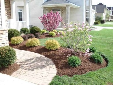 Beautiful Simple Front Yard Landscaping Design Ideas32