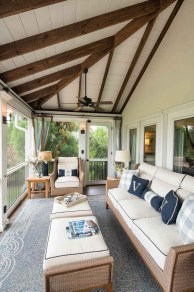 Cozy Porch Decoration Ideas40