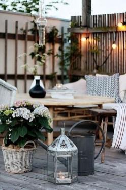 Elegant And Cozy Balcony Ideas15