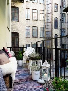 Elegant And Cozy Balcony Ideas20