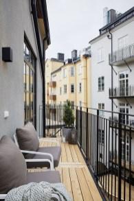 Elegant And Cozy Balcony Ideas22
