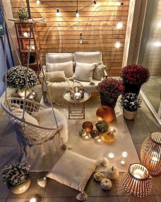 Elegant And Cozy Balcony Ideas30