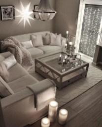 Luxury And Elegant Living Room Design21