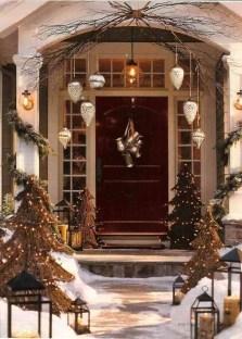 Unique And Elegant Door Decoration Ideas38