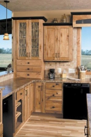 Warm Cozy Rustic Kitchen Designs For Your Cabin25