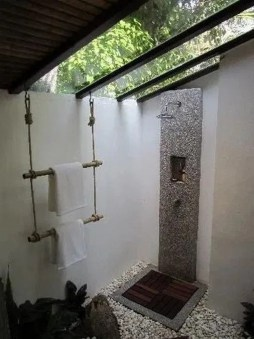 Awesome Outdoor Bathroom Ideas30