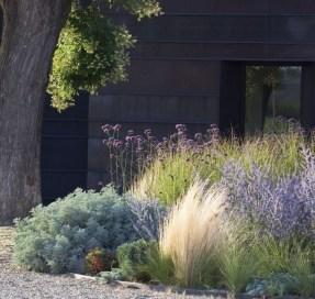 Fresh Ideas Frontyard Garden19