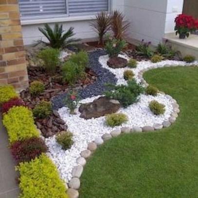 Fresh Ideas Frontyard Garden38