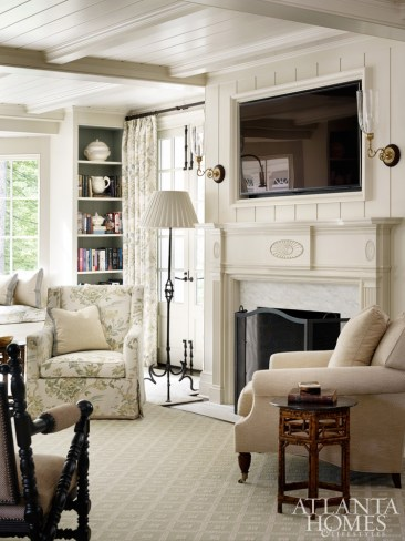 Luxury Family Room Fireplace Ideas10