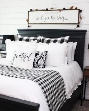 Luxury And Elegant Apartment Bed Room Ideas07