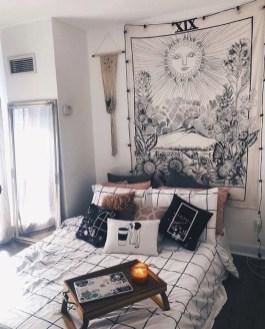 Luxury And Elegant Apartment Bed Room Ideas17