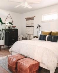 Luxury And Elegant Apartment Bed Room Ideas38