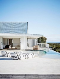 Modern Beach House Ideas10