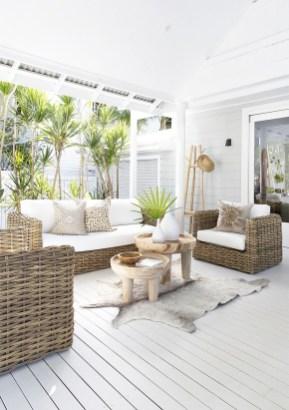 Modern Beach House Ideas37