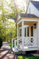 Traditional Porch Decoration Ideas08