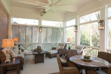 Traditional Porch Decoration Ideas16